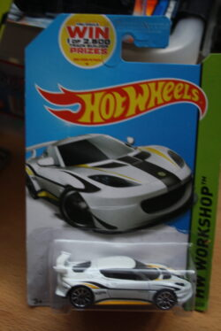 Hot Wheels Lotus Evora GT4 - white 1:64