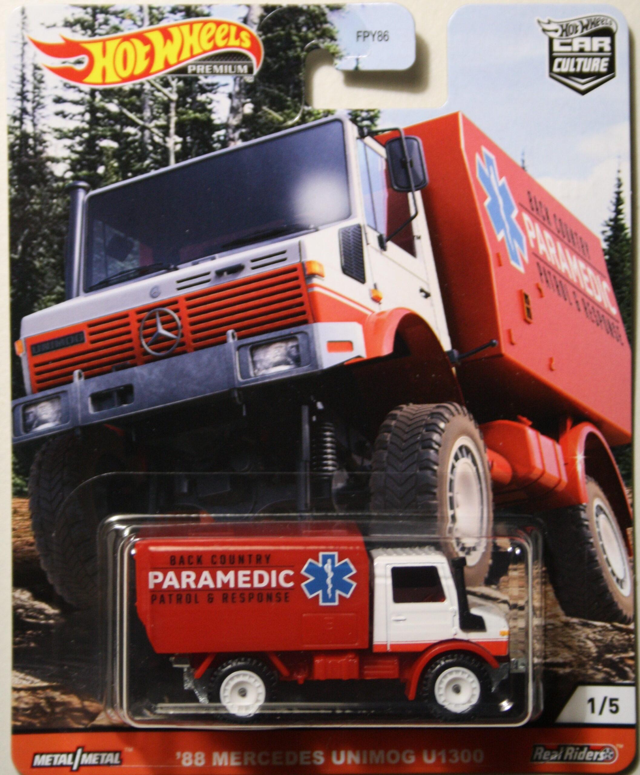 Hot Wheels Car Culture 88 Mercedes Unimog Paramedic